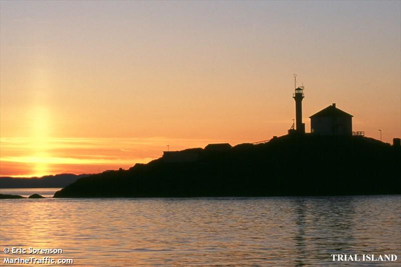 Photos of: Trial Island Light Station
