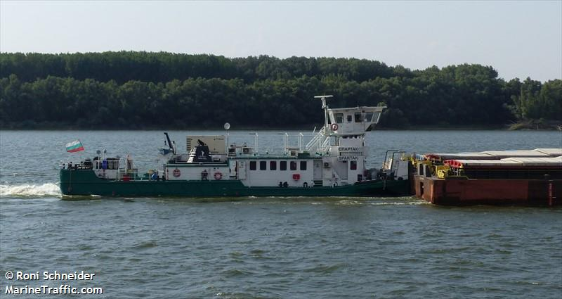 Vessel details for: SPARTAK (Inland, Pushtow, two barges at