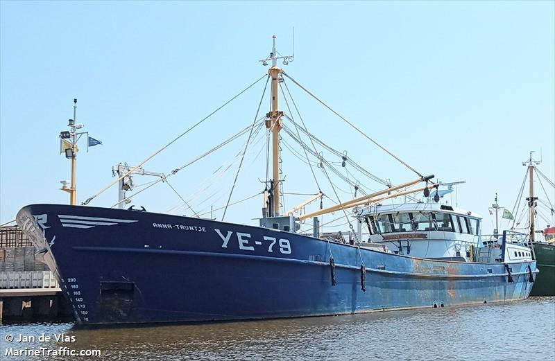 YE 79 ANNA TRIH Fishing Vessel