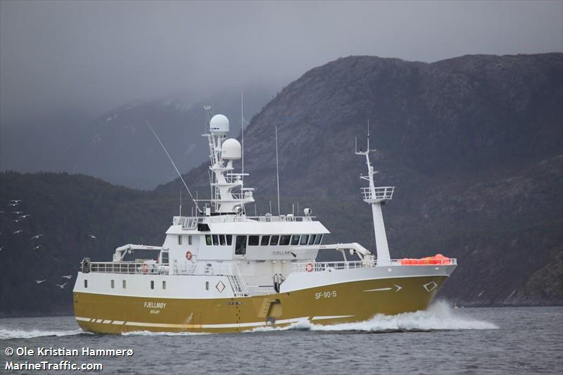 Vessel details for: FJELLMOEY (Fishing Vessel) - IMO 9169263