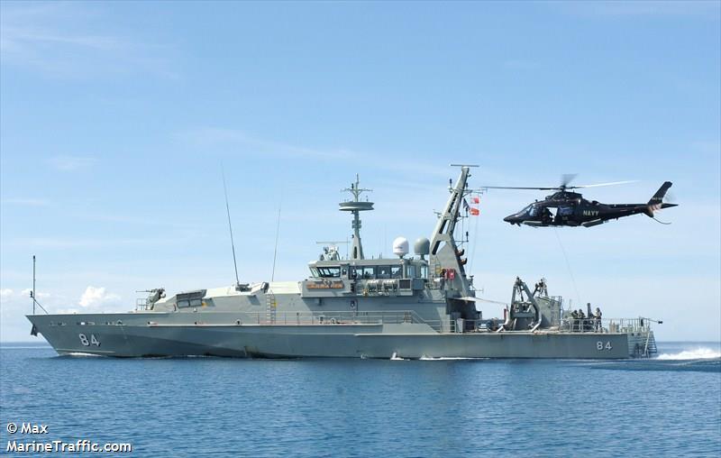 HMAS LARRAKIA