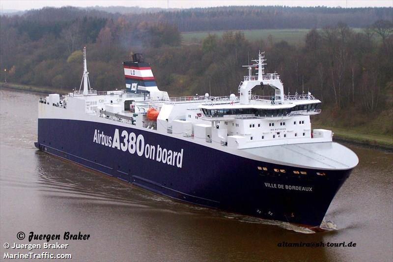 Vessel details for ville de bordeaux ro ro cargo imo for Bordeaux piscine