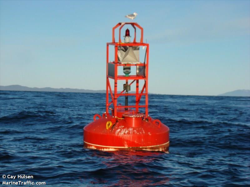 Hodgson Reefs Light + Whistle  Buoy D84