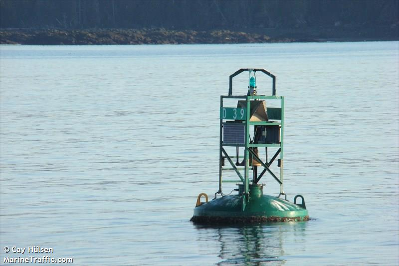 Petrel Rock Light + Bell Buoy D39
