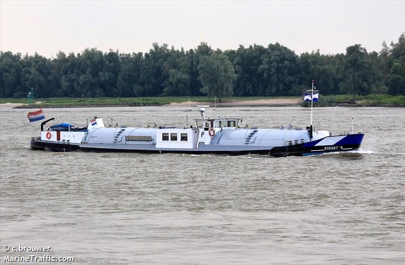 Vessel Details For Rodort9 Inland Motor Tanker Dry