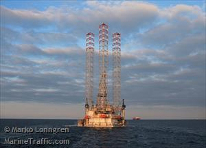 Ship photos by Marko Lönngren | AIS Marine Traffic