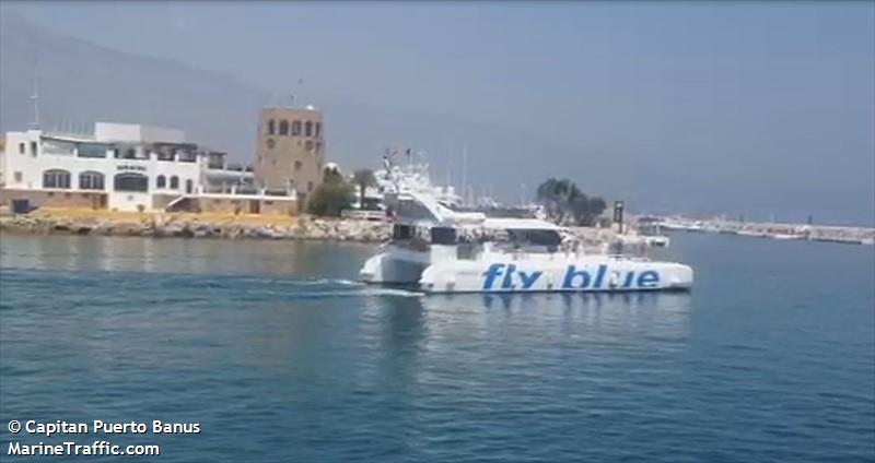 FLY BLUE TRES