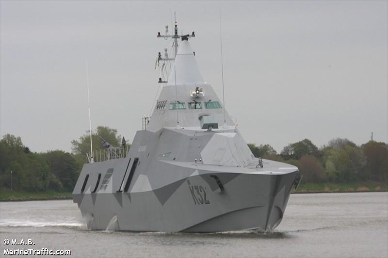 SWEDISH WARSHIP K32