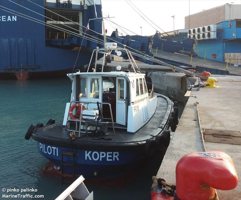 PILOTI KP 1