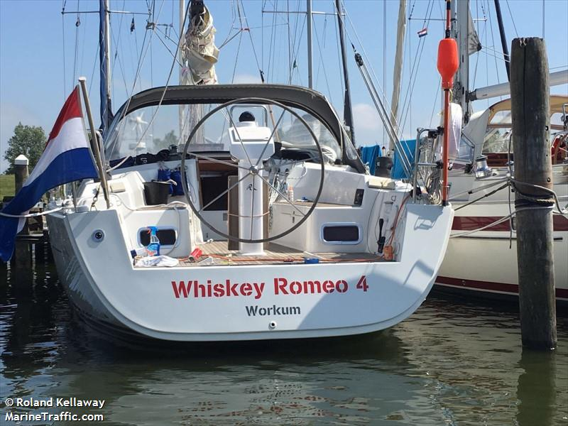 WHISKEY ROMEO 4