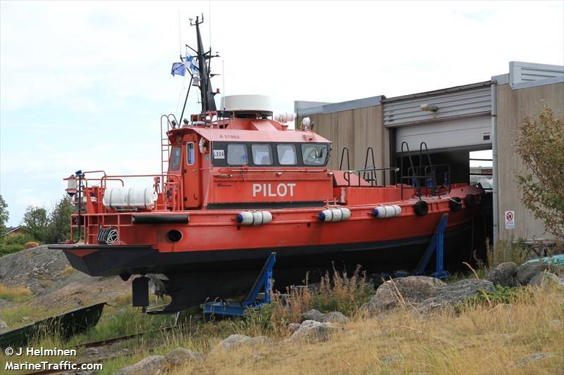 PILOT L 226