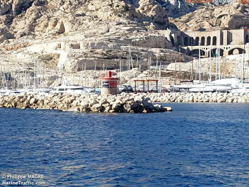 Port De La Lave Mole