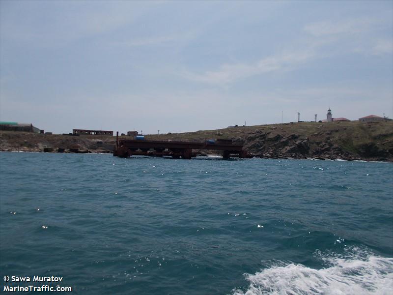 ZMEINYI ISLAND
