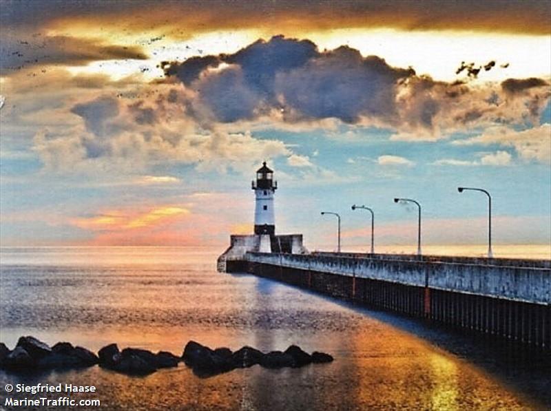 Duluth Harbor North Pier