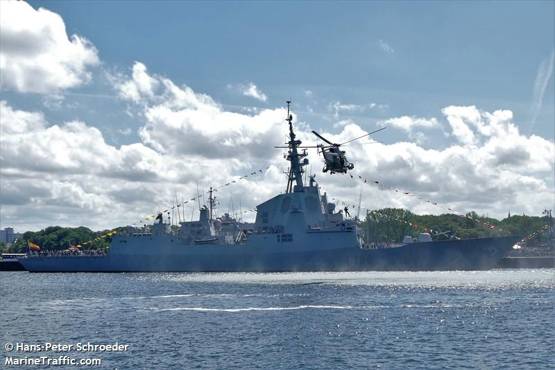 NATO WARSHIP F102