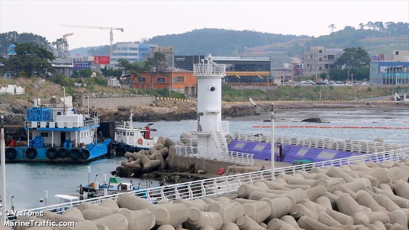 Songjeong South Breakwater