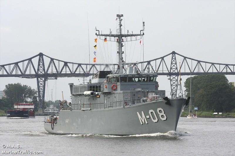 LV WARSHIP M 08