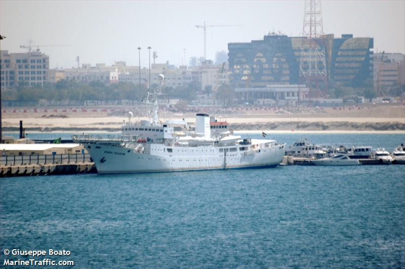 DUBAI SHADOW