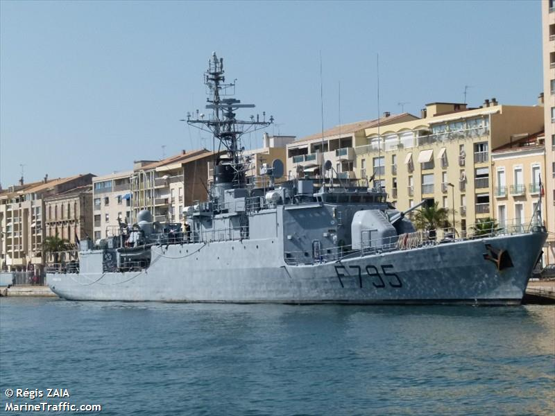 FRENCH WARSHIP F795