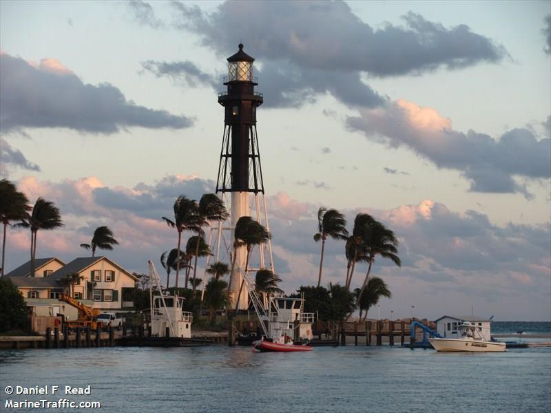 Hillsboro Inlet Light