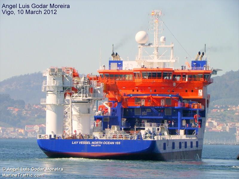 LAY VESSEL NORTH OCEAN 105