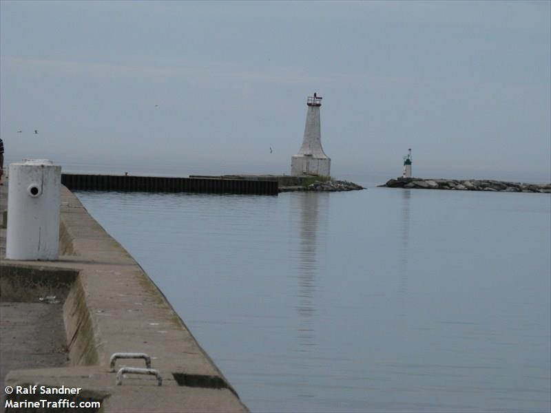Cobourg East Pierhead