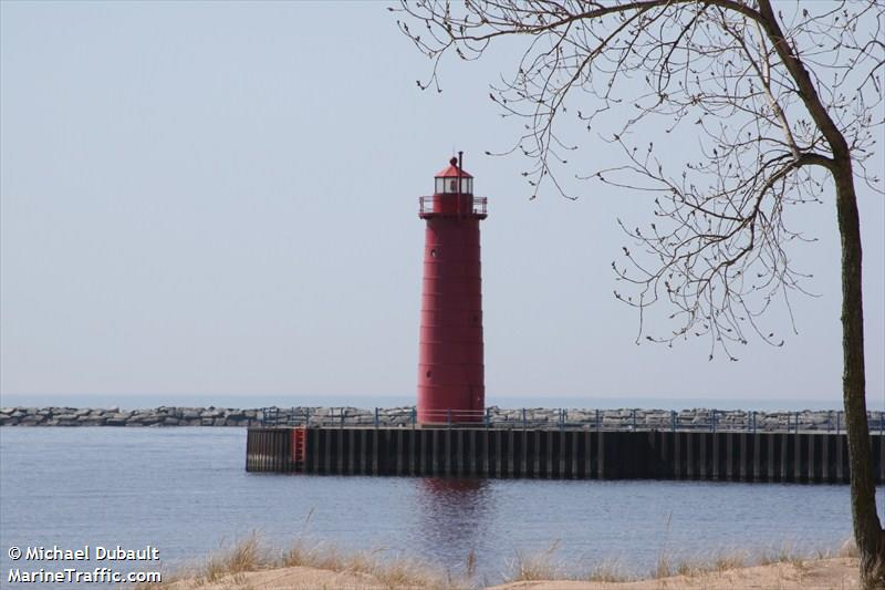 Muskegon South Pierhead