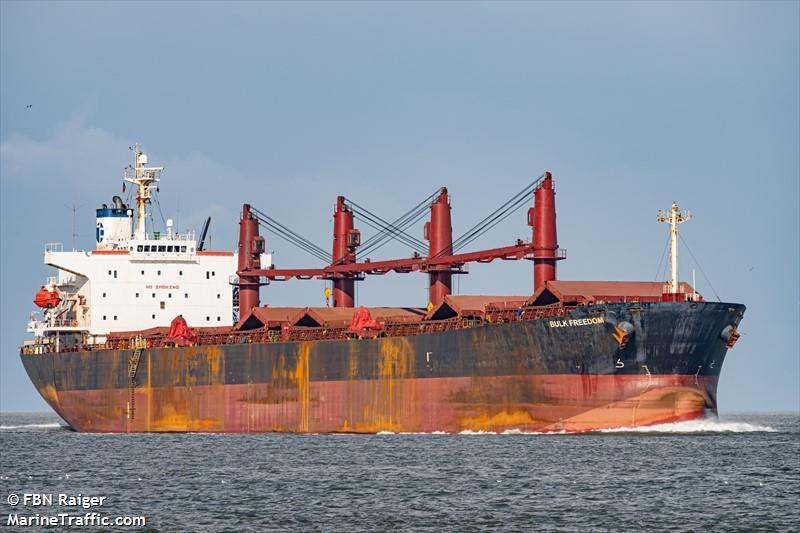 Der Fachter Bulk Freedom fährt unter der Flagge von Panama (Archivbild) | Bildquelle: https://www.marinetraffic.com/en/ais/details/ships/shipid:1210146/mmsi:356811000/imo:9317092/vessel:BULK_FREEDOM © Marjan Stropik | Bilder sind in der Regel urheberrechtlich geschützt