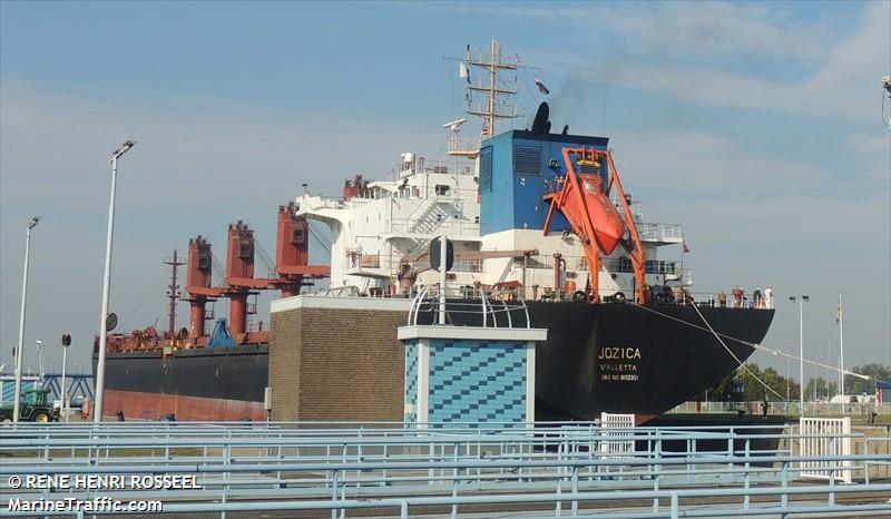 البحث عن السفن في قاعدة بيانات ..MarineTraffic .لكي تضيف تنبيهاتك الي القائمة: JOZICA