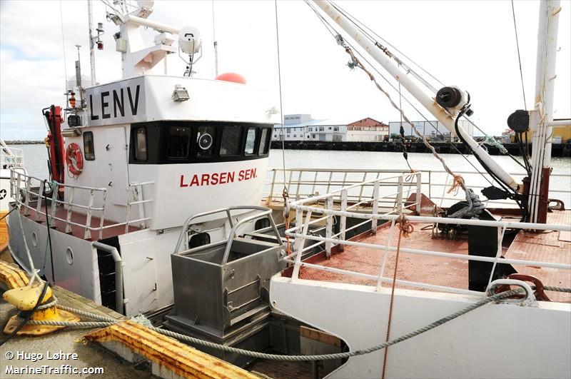 Photos of: LARSEN SENIOR
