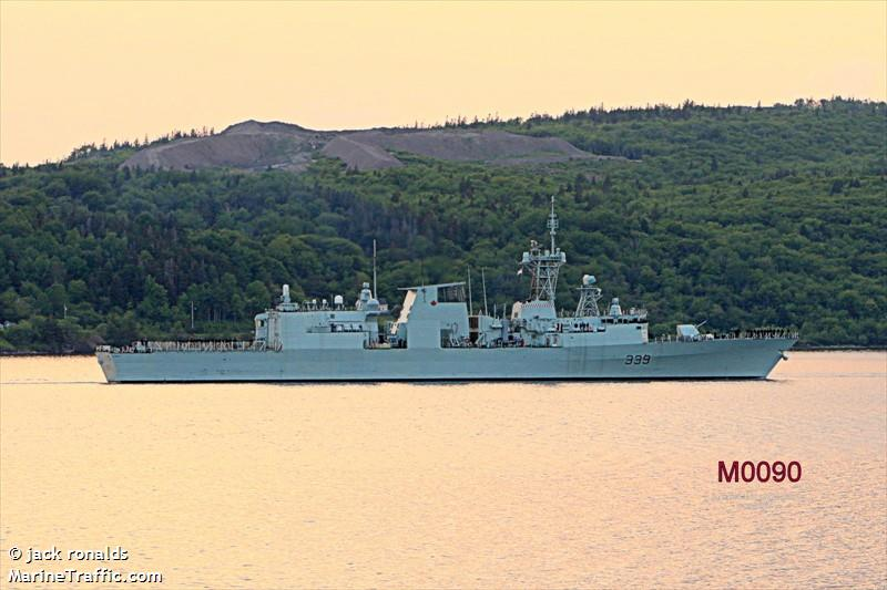 Photos of: HMCS CHARLOTTETOWN