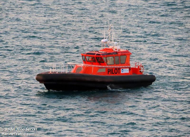 Photos of: PILOT VESSEL AKARANA