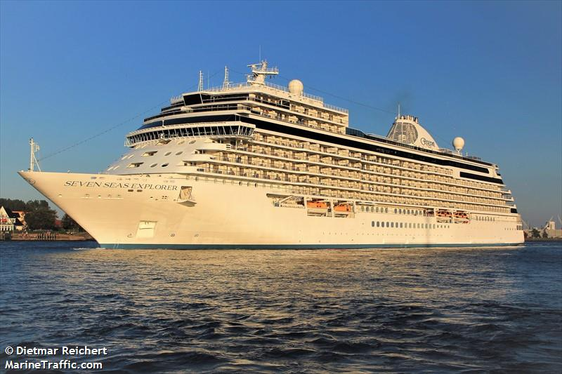 Photos of: SEVEN SEAS EXPLORER